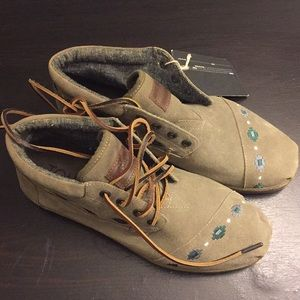 Toms Tribal Embroidered Suede Dessert Boots